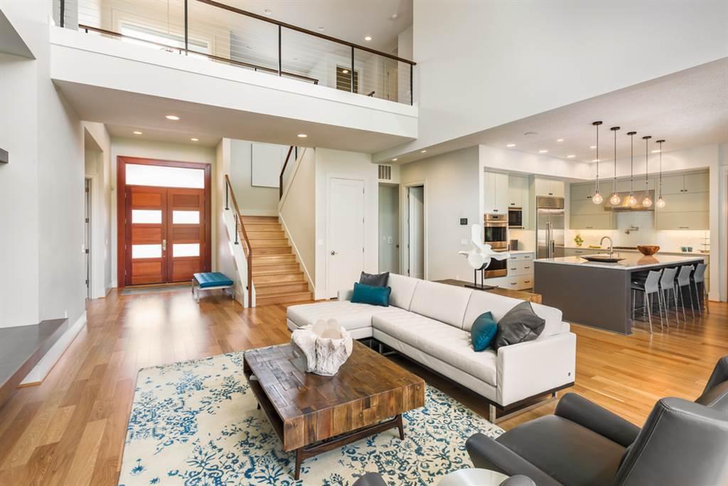 夫妻租下整棟透天,房東卻老是前來拜訪,甚至還得寸進尺的帶朋友過夜,讓不少網友看呆直呼,房客慘變民宿管理員。(示意圖/Shutterstock)