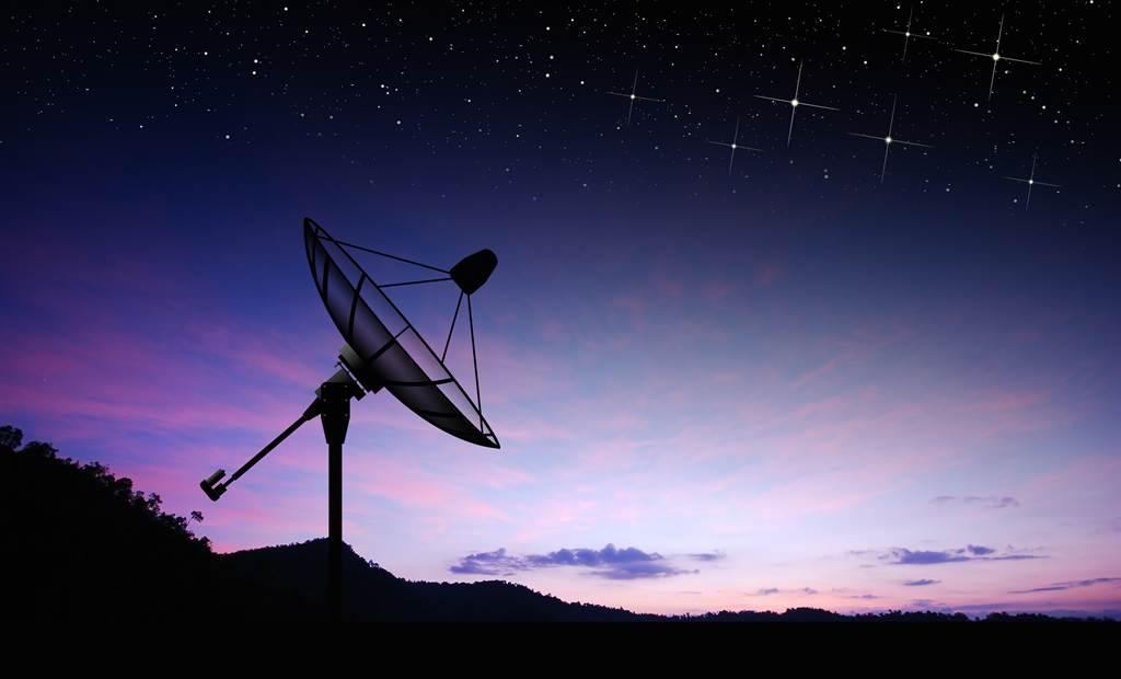 澳洲帕克斯天文台去年接收到一段來自比鄰星的神祕信號。(示意圖/達志影像)