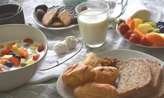 不吃早餐能減重、吃早餐能穩定血糖? 解謎早餐到底要不要吃