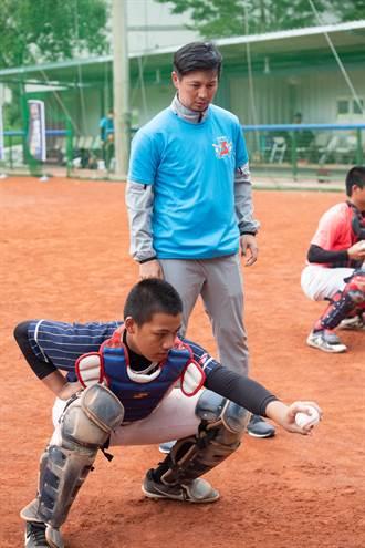 棒球》點出好捕手特質 高志綱:腦袋反應要好