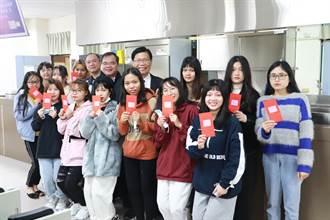 克服鴨子聽雷 中華醫大新南向專班外籍生25人通過華語文能力測驗