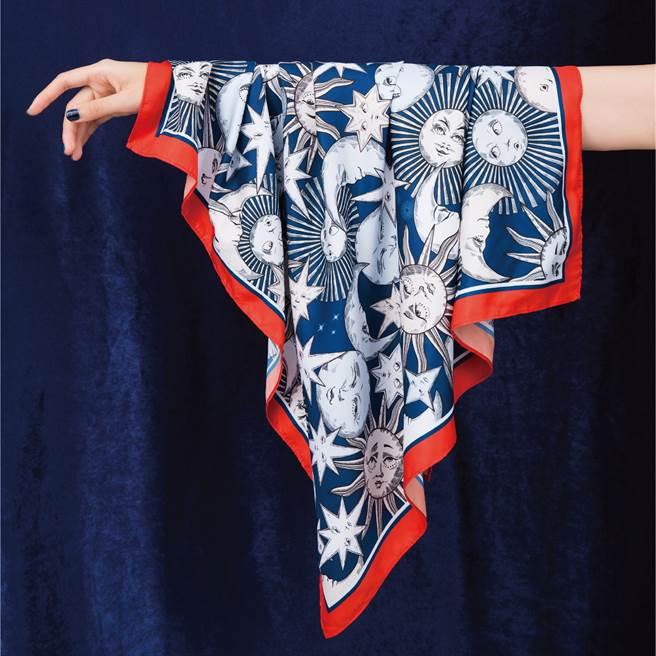 寶雅獨家推出滿額送絲巾活動,全品項消費滿800元即贈Daniel Wong宇宙星辰限量絲巾,只送不賣。(圖/品牌提供)