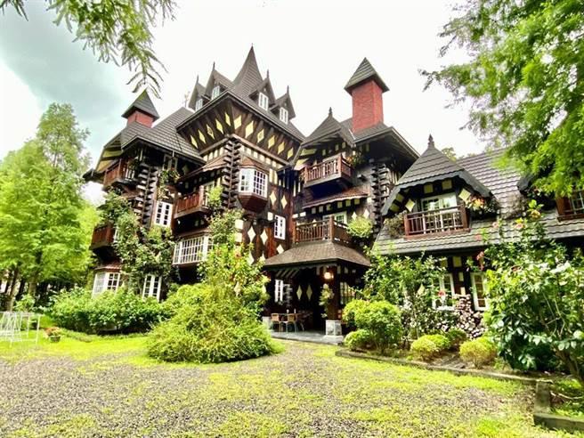 英格兰庄园的城堡外观极具特色,吸引许多网美拍照打卡。(图/台湾房屋提供)