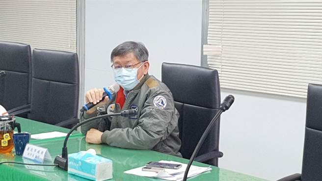 台北市長柯文哲今(22日)表示,從剛才講話講到現在都很正常,只有聽到這句話,差點不正常。(葉書宏攝)