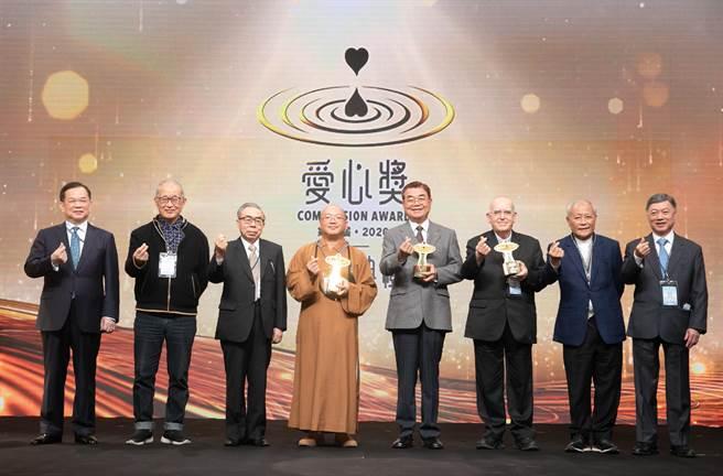 爱心奖本届起甄选范围拓展至全球华人世界,选出星云大师等8位得奖人,每人各获颁15万美元奖金,全额用于公益事业。(台塑提供)
