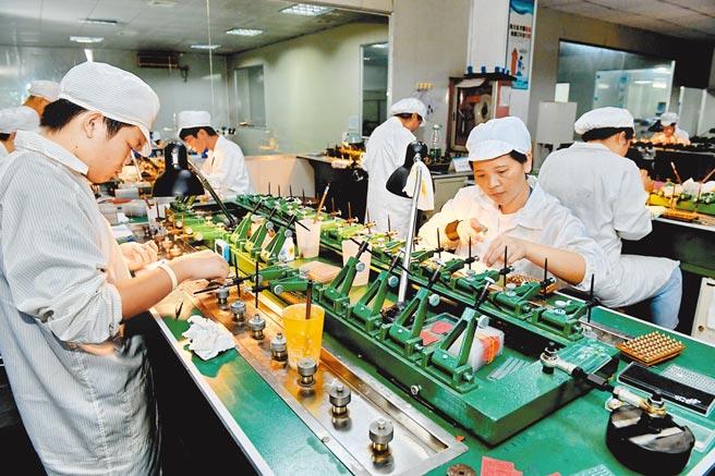 首批科創基金放開規模上限,成立後平均收益超200%。(新華社資料照片)