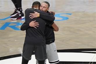 NBA》杜蘭特擁抱柯瑞 懷念在勇士的快樂時光