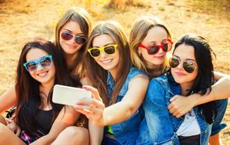 女孩們間的小團體 不只是個性問題這麼簡單