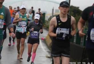 驚!台灣人赤腳跑完42公里台北馬拉松