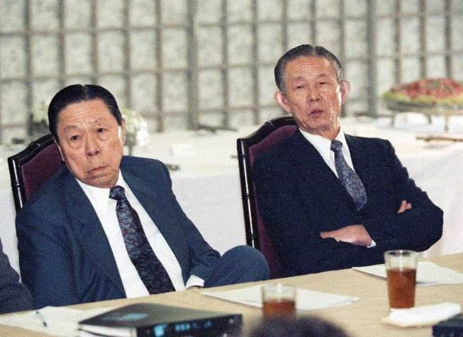 台塑集團創辦人王永慶與王永在相當珍惜能源,因此六輕規劃之初就是以石化原料供應為目的,而不以生產燃油為主。(圖/報系資料庫)
