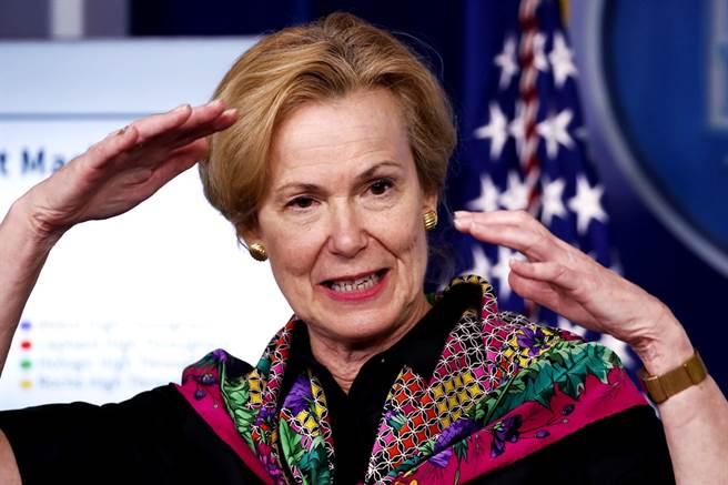 白宮疫情工作小組最高官員柏克斯(Deborah Birx)被媒體爆料和家人團聚、歡慶感恩節,公然違反官方建議民眾放棄度假的防疫指南,她已在22日表態要提前退休。(資料照/美聯社)