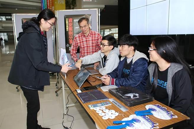 「行雲者研發基地」也藉由實務專案,磨練經驗與執行能力,成為緊密連結、無私共好的「行雲網」學習平台!(陳世宗攝)