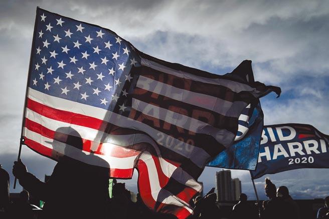 美國國會參眾兩院21日通過2021年財年撥款法案,其中納入眾院版的《台灣保證法》(Taiwan Assurance Act of 2020)。(美聯社)