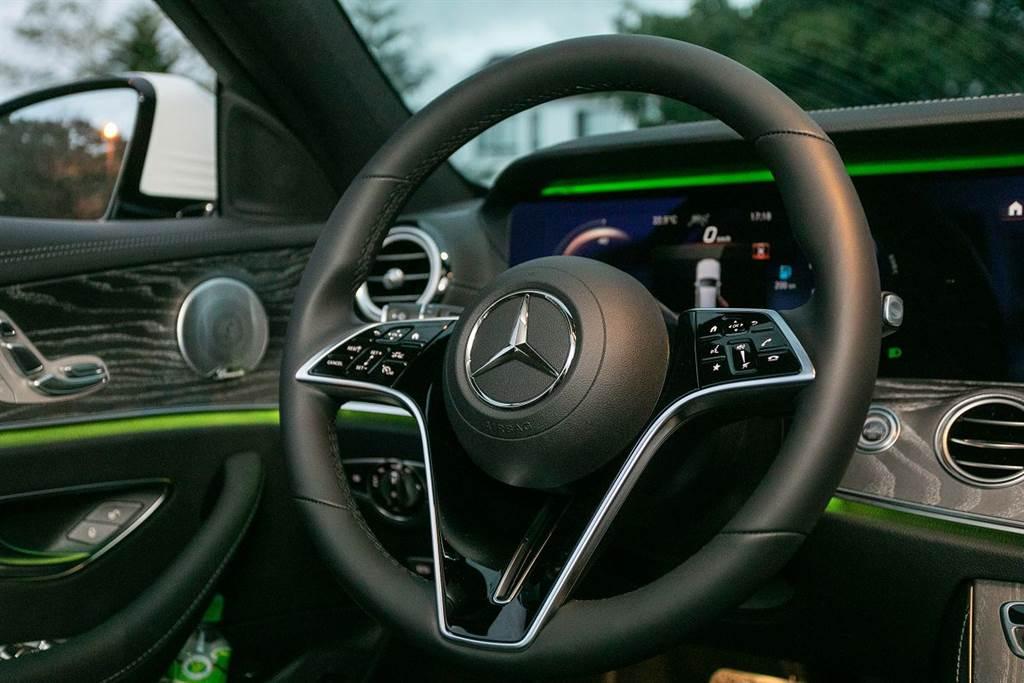 正宗好爸爸開帥的高階家庭旅行車,2021 Mercedes-Benz E300 Estate AMG Line