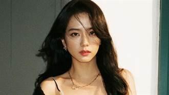 Jisoo吊帶洋裝超深V 狂洩蕾絲黑影辣翻天