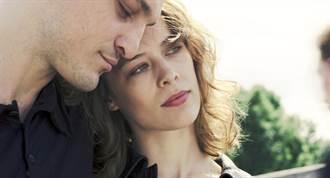 寶拉貝爾摸透真愛 《水漾的女人》獲選年度十大