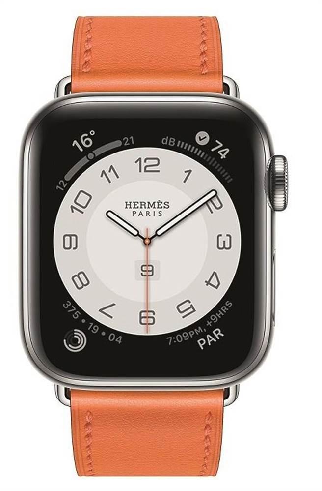 第六代 Apple Watch Hermes系列腕表,橘色Swift小牛皮表帶1萬900元,含表整組售價4萬400元。(HERMES提供)