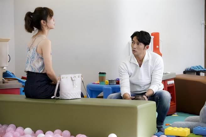 溫昇豪出現在《俗女2》與謝盈萱對戲。(華視提供)