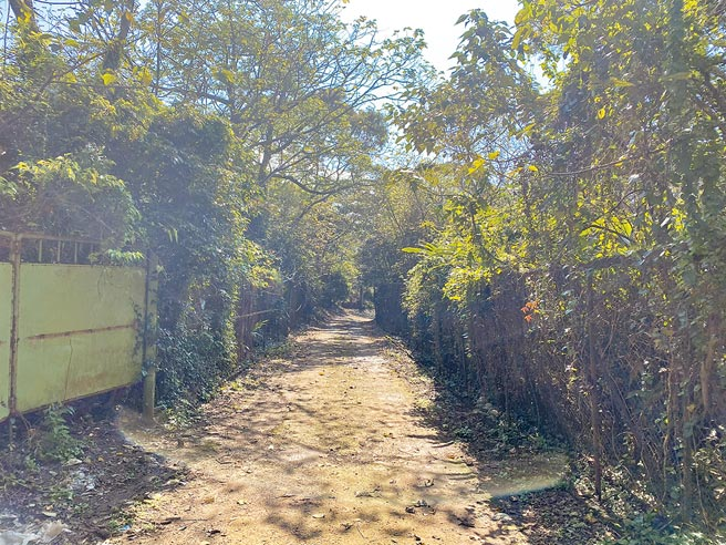 「台北三芝新小基隆段山坡地殯葬設施開發案」變更原計畫,圖為開發預定地。(戴上容攝)