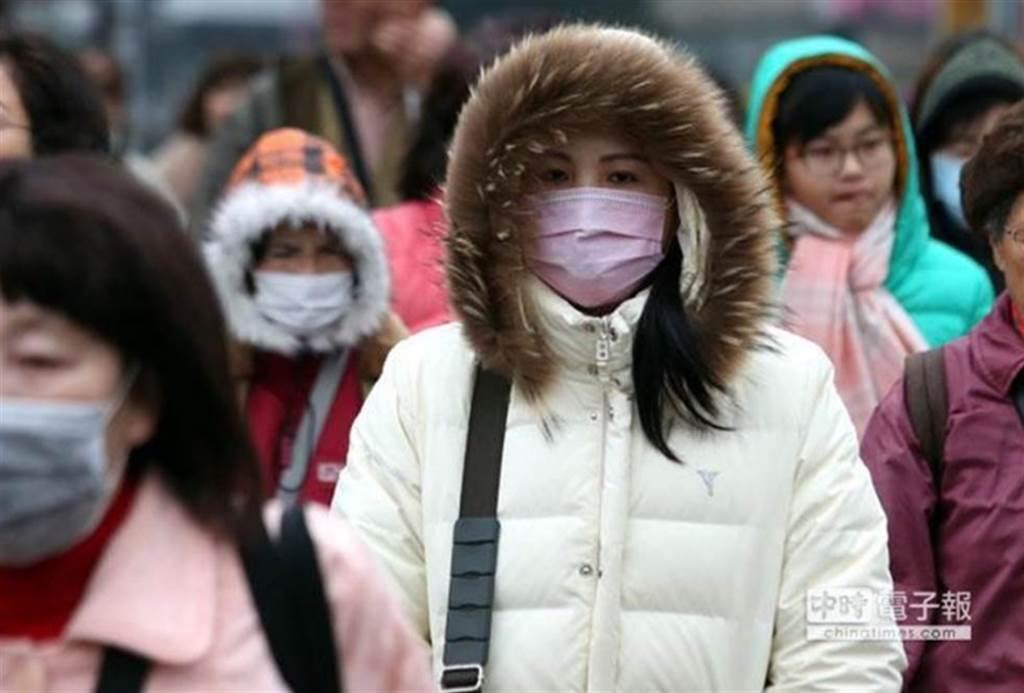 跨年將迎來今年最強寒流,民眾應做好保暖。(資料照)