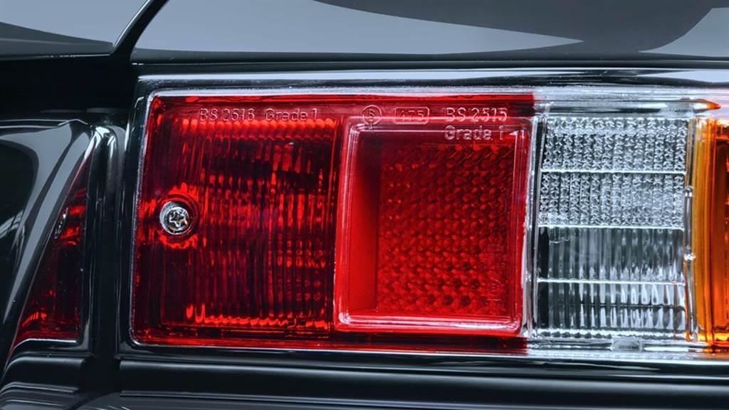 Porsche Classic開始供應1968年以後經典911尾燈與方向燈