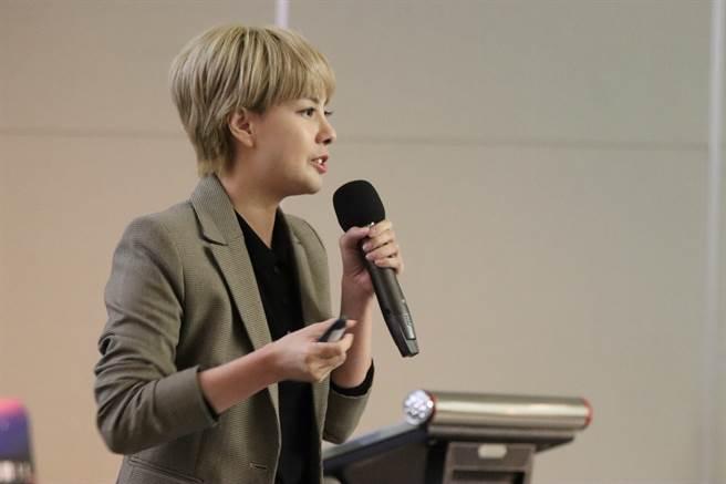 Google台灣業務行銷副總經理葉揚解析YouTube影音平台趨勢。/時報獎執委會提供