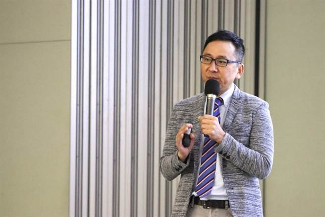 森田藥粧策略及研發執行長周俊旭分享森田與網紅合作,並開拓亞洲市場經驗。/時報獎執委會提供