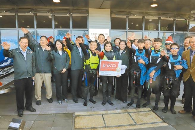 全台唯一經國際IKO認證,雲林縣啟用位於四湖鄉三條崙海水浴場的國際風箏衝浪學校。(張朝欣攝)