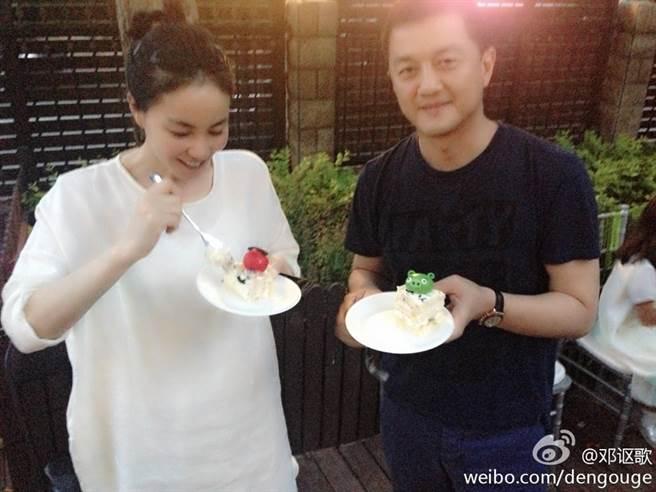 李亞鵬和王菲離婚後仍像家人。(圖/翻攝自鄧謳歌微博)