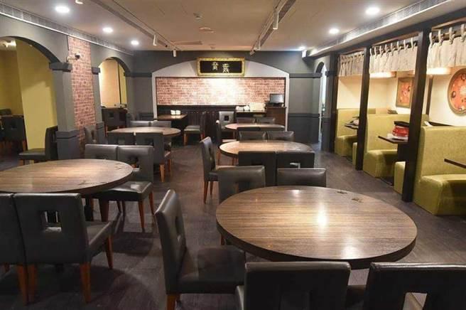 在歇業兩個月期間,位在台北中山區六條通的〈青葉〉台菜總店,亦進行了小幅度的裝修。(圖/工商時報姚舜攝)