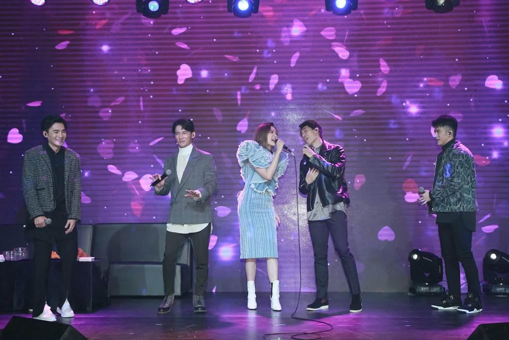 安心亚担任「男人KTV」演唱会嘉宾。(拓骆娱乐提供)