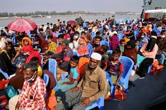 孟加拉將第2批逃出緬甸的羅興亞難民轉移到偏遠島嶼