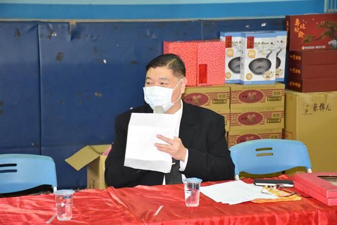 南庄慈善藥師羅重盛主辦歲末送暖活動至今已18年。(謝明俊攝)