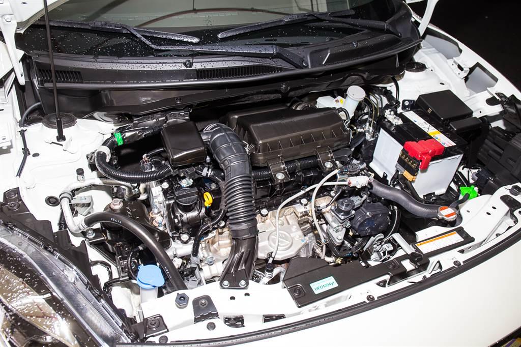 動力系統為本次改款重點,換上1.2升NA引擎,加上12V Mild-Hybrid系統輔助,主打輸出線性、經濟節能。