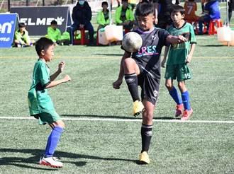 足球》從基層紮根 小手拉大手在社區足球節圓冠軍夢