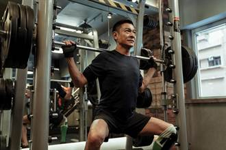 劉德華挑戰體能極限!《拆彈2》大陸上映4天破18億台幣