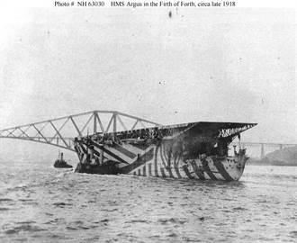 世界第1艘航空母艦是日本鳳翔號?不對!它排到第3
