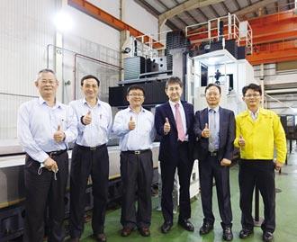 欣鴻 發表CBCM動柱動樑龍門加工機