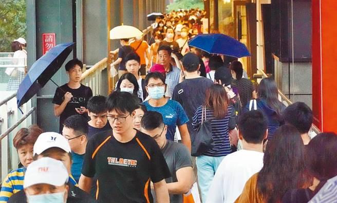新冠肺炎疫情在台灣相對緩和,對此有專業網友就分析出了「4大防疫關鍵」。(圖/本報系資料照)