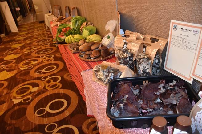 南庄東河及蓬萊村的木耳及香菇品質非常優良。(謝明俊攝)
