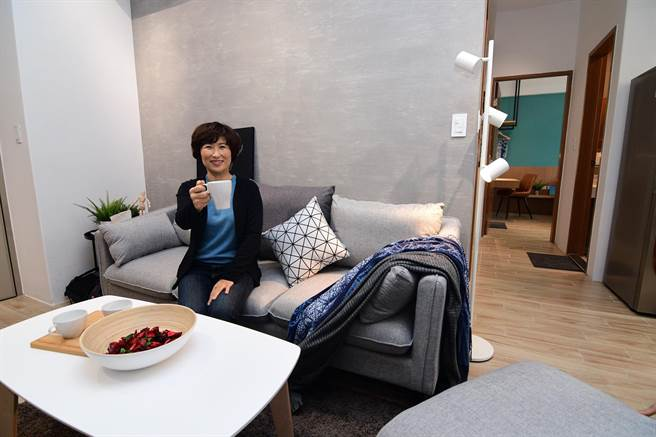 台東縣政府召集最夯網紅,進駐剛完工的幸福住宅介紹台東。(莊哲權攝)