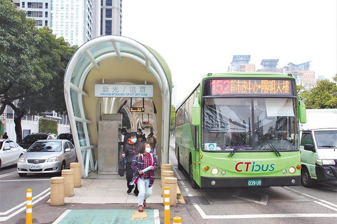 中市推動台灣大道交通分流措施,明年1月15日起8條公車路線部分路段改駛專用道。(本報資料照片/陳淑芬台中傳真)