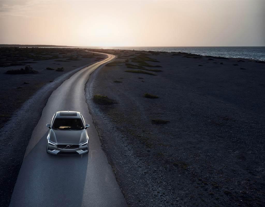 2021年式S60/V60的PHEV車型由T6升級為T8,最大馬力達390hp。