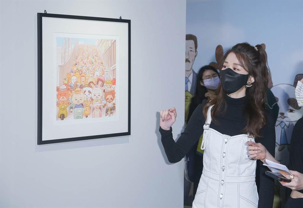 邵雨薇現身「Keigo展-我的生活不可能那麼壞」開幕活動。(吳松翰攝)