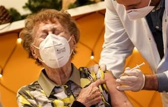 新冠疫苗別多打 他們一次接種5劑爆症狀送醫