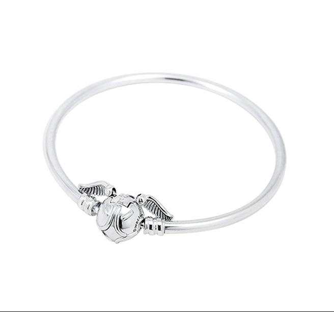 Yahoo奇摩超級商城的Pandora哈利波特系列,金探子925純銀手環,原價3680元,1月31日前限時特價2760元。(Yahoo奇摩超級商城提供)