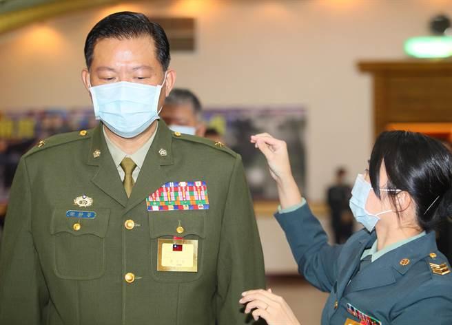 副總統警衛室主任謝靜華在特勤工作31年,專案延役晉升,特勤首例。陳怡誠攝