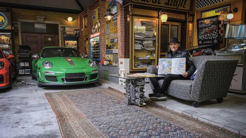 80歲擁有80輛Porsches經典收藏