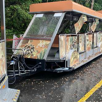 北市動物園遊園列車撞樹 4乘客衰受傷