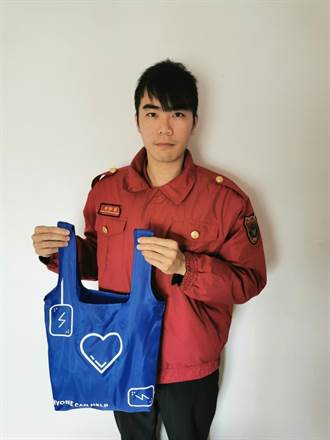消防員發想 自創急救教具「隨身C袋」